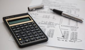 Comment estimer le prix de vente de sa maison? Bien calculer le prix de vente de son bien pour vendre rapidement et au meilleur prix.